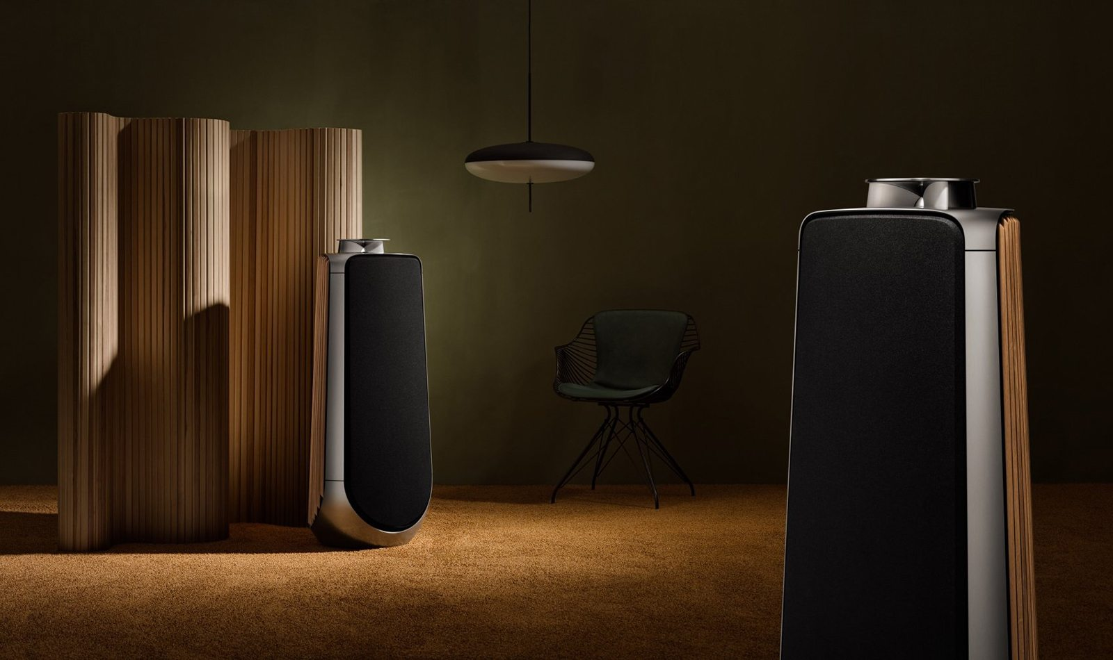 bang olufsen s beolab 50 speaker oracle time. Black Bedroom Furniture Sets. Home Design Ideas