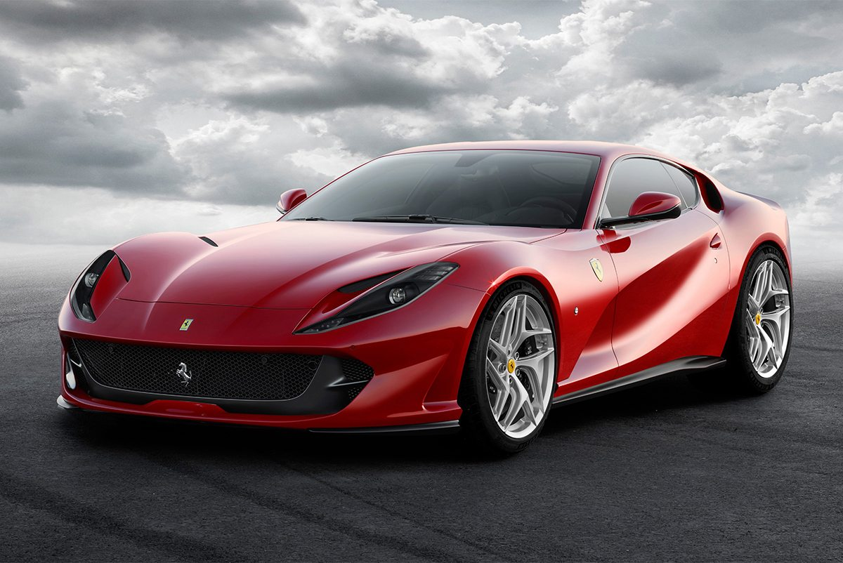 2 Ferrari 812 Superfast
