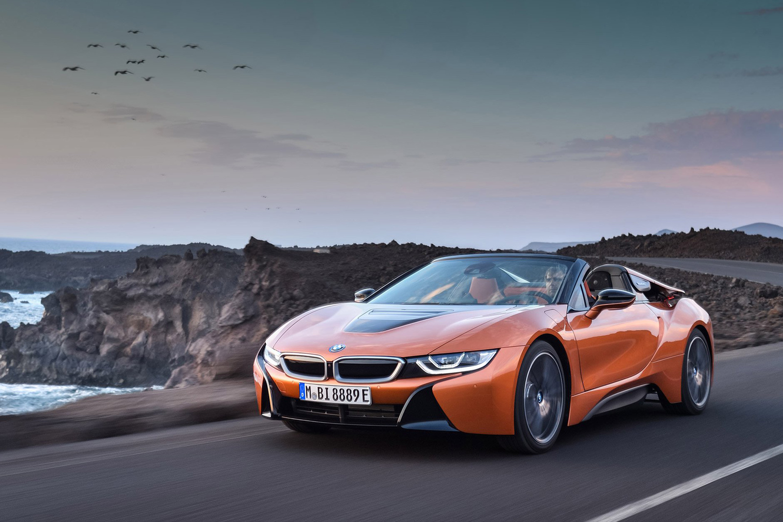 BMW Unveils New i8 Roadster