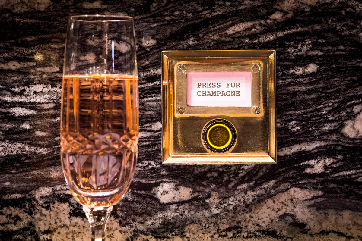 Bob Bob Ricard Champagne Button