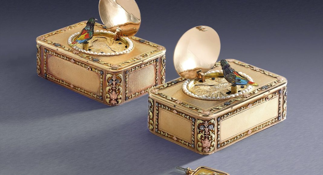 Frères Rochat pair of four-colour gold and pearl singing bird snuff boxes
