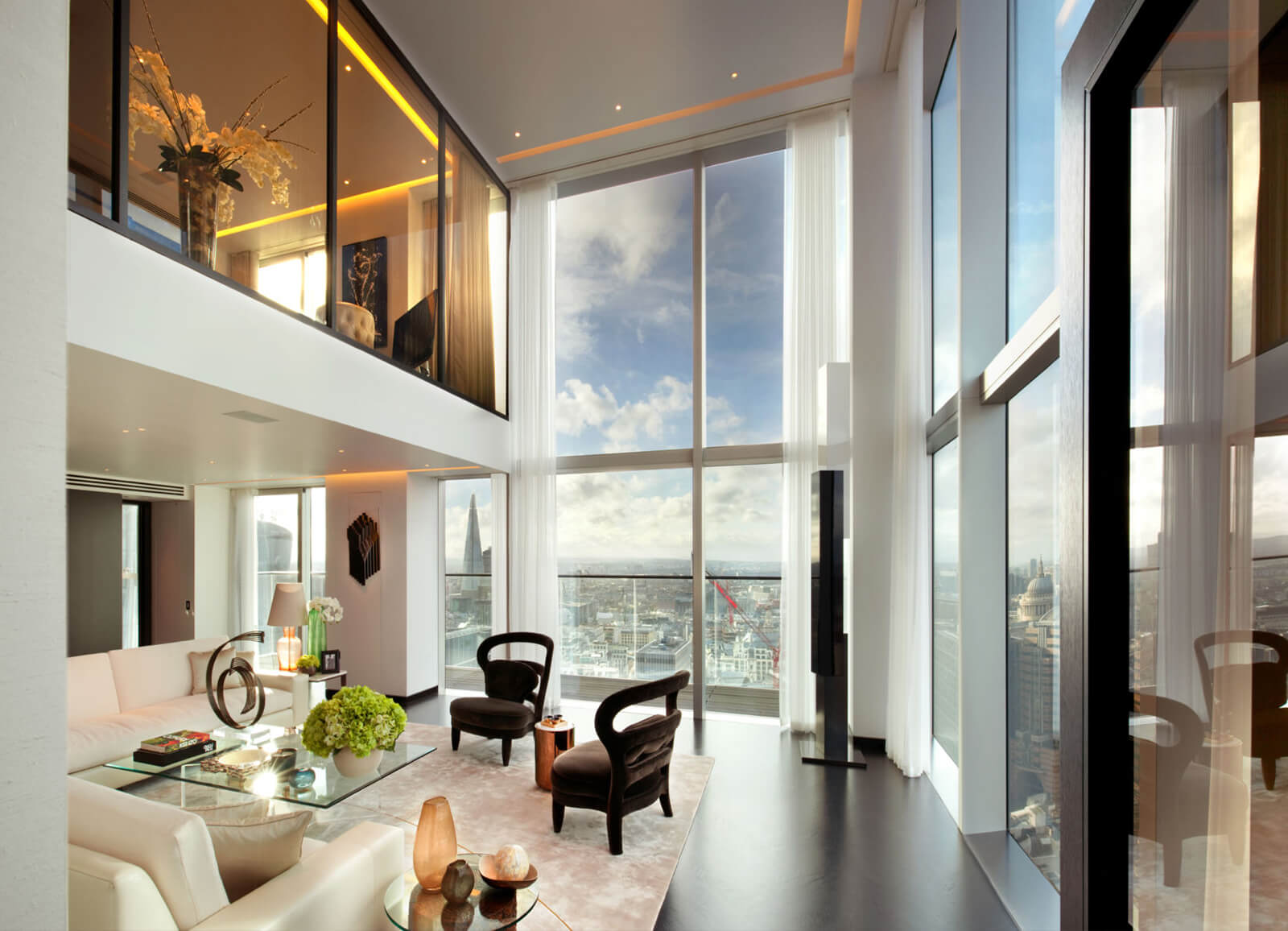 Measuring A Grandiose 6 000 Square Feet With Four Bedrooms And Bathrooms The Duplex Apartment Is Filled Light Through Its Massive