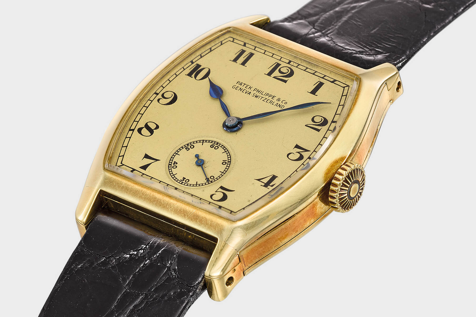 Patek Philippe yellow gold tonneau minute repeating-wristwatch-made for Henry Graves Jr 1927