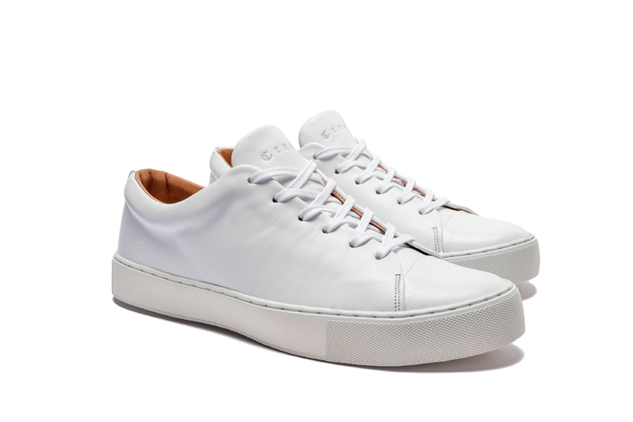 Abington toe cap all white sneakers
