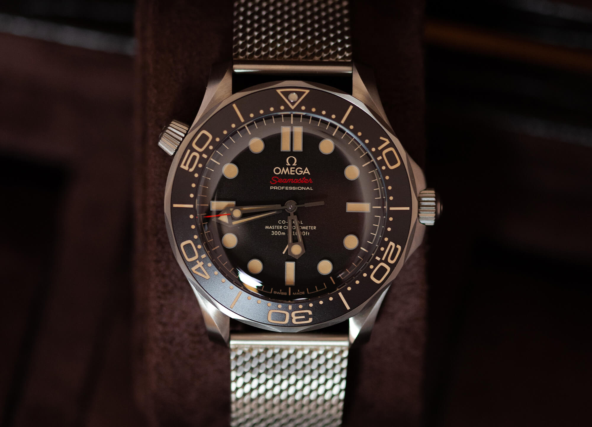"""Omega Seamaster Diver 300M 007 """"No Time to Die"""" Edition Watch Review -  Oracle Time"""