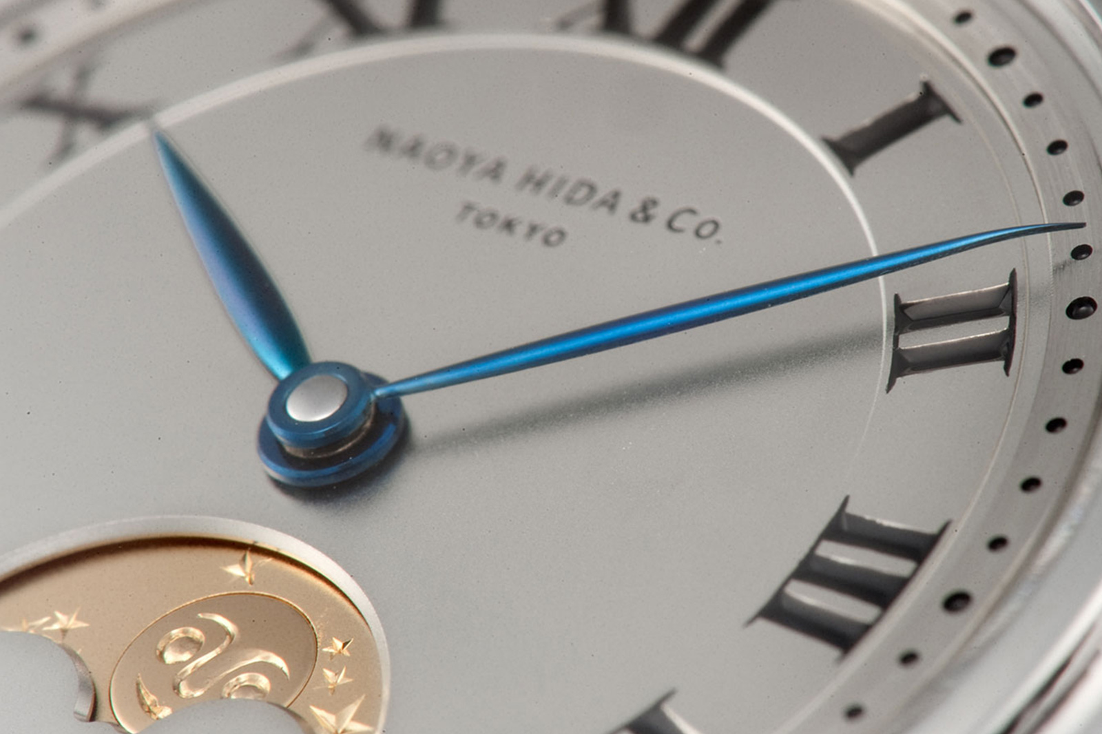 Naoya Hida & Co. Type 3A Moon Phase