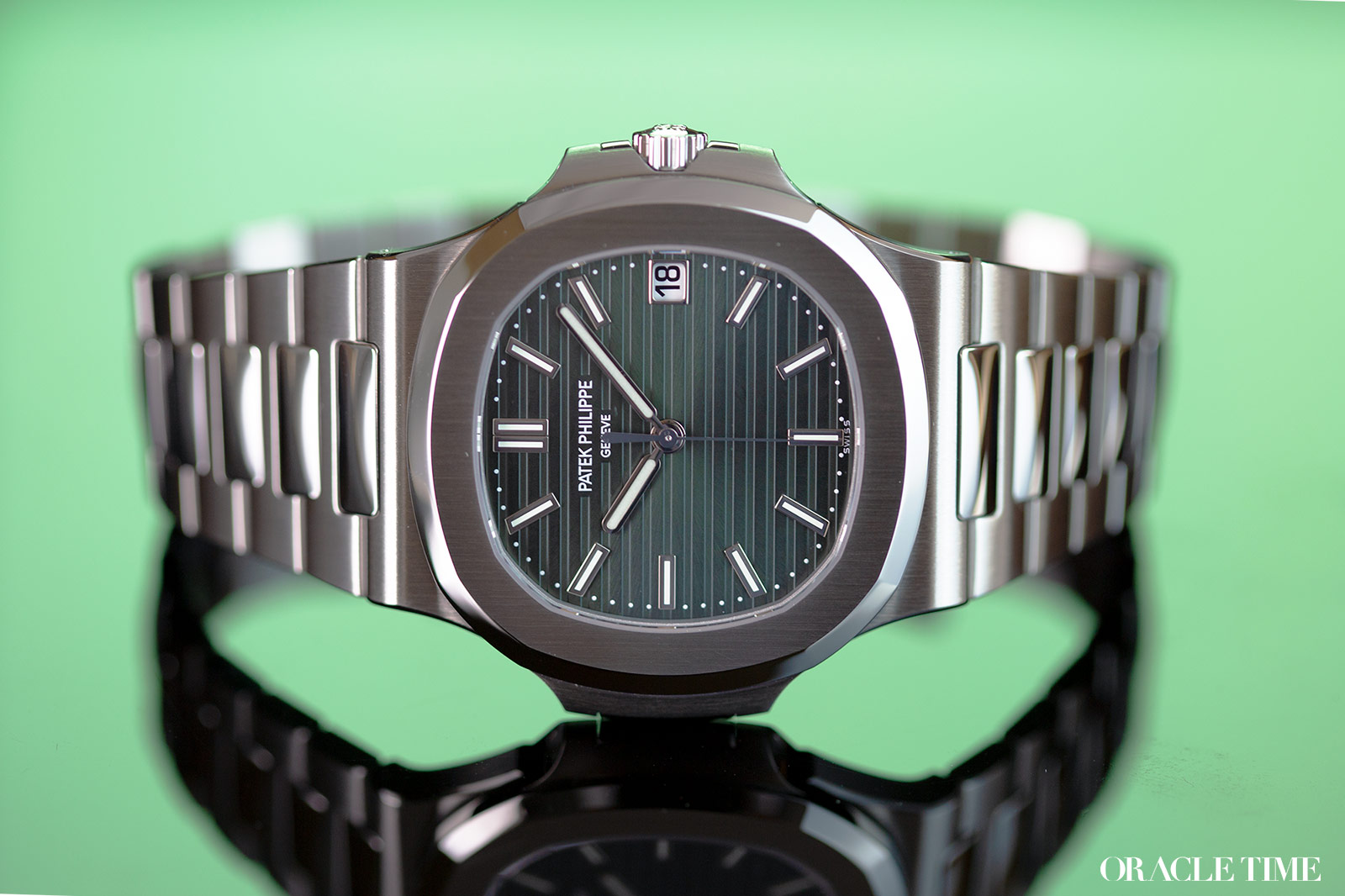 Patek Philippe Nautilus 5711 Olive Green Hands-On